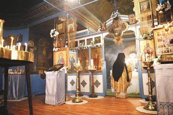 В Церкви Исполнения желаний. / Фото: www.lotostat.ru