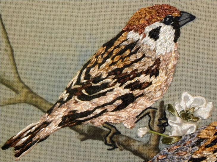 Птицы из атласных лент фото
