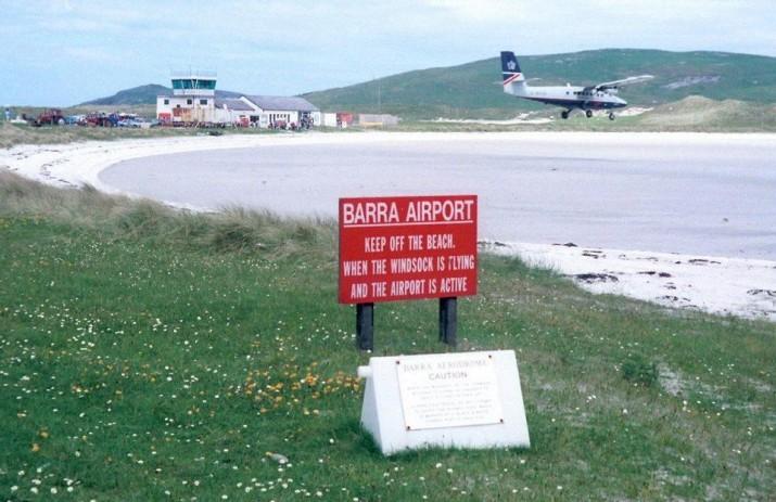 Пляж-аэропорт Барра, Шотландия