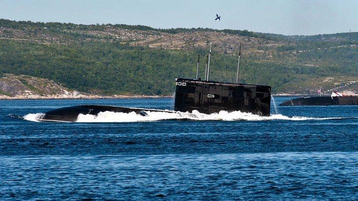 """""""Они будут отслеживать наш флот и подключаться к интернет-кабелям"""": Российские """"супертихие"""" субмарины испугали Британию"""