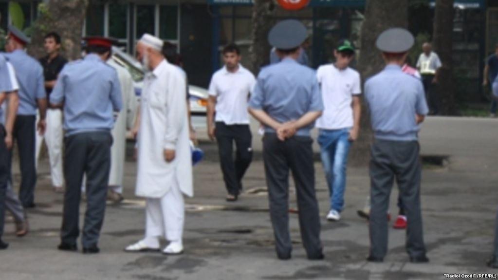 США: В Таджикистане нарушают религиозные права верующих