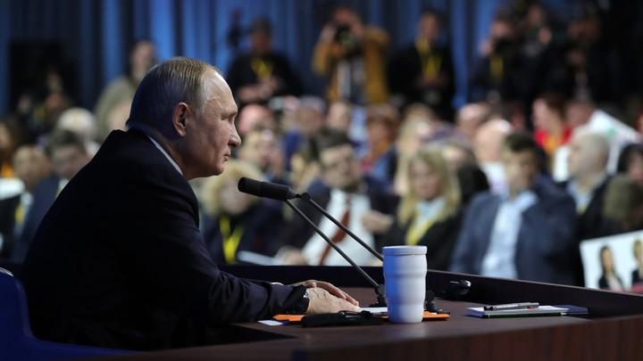 """""""Путин - не Сталин. И никогда им не станет"""": Американский профессор назвал глупостью антироссийские """"карикатуры"""" в Латвии"""