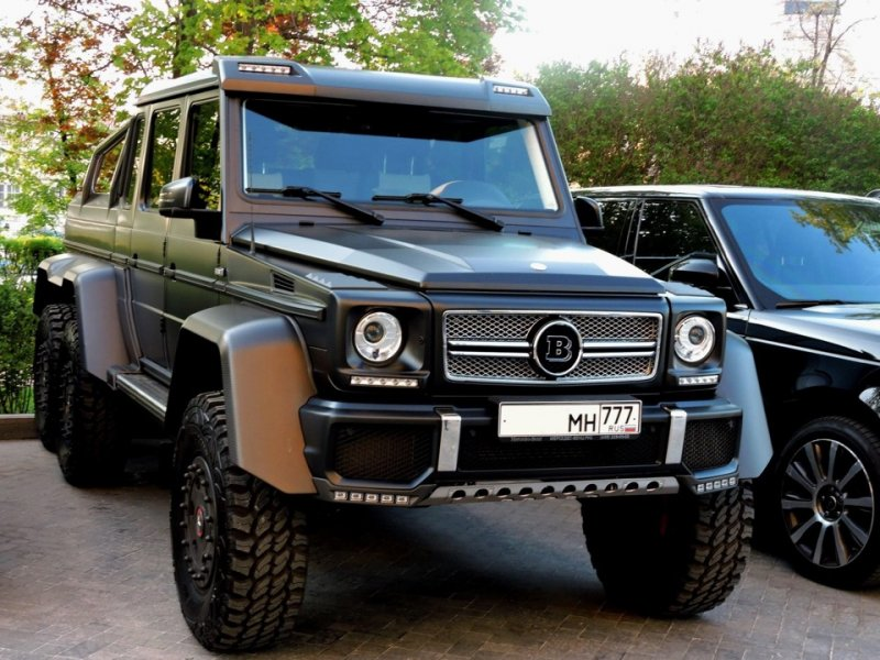 """Первый, самый """"известный"""" в сети автомобиль прошел доработку в ателье Brabus и теперь именуется Brabus 700. 6x6, amg, g63, gelandewagen, mercedes-benz"""