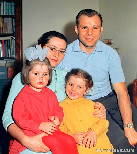 Юрий Гагарин, жена, дочери фото