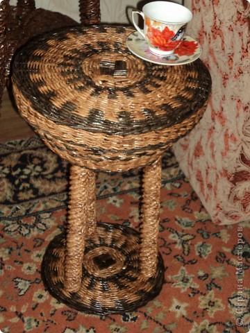 Кофейный столик из трубочек