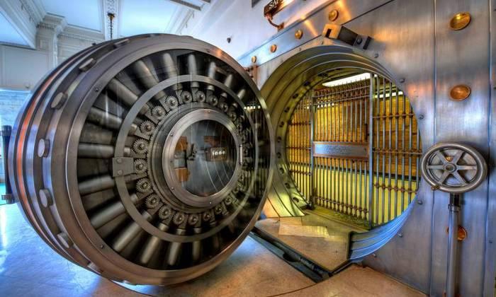 Золотые хранилища Форт-Нокса могут оказаться пустыми