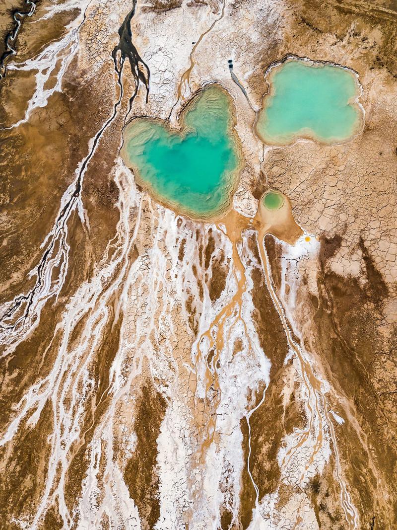 Бирюзовое сердце в мертвом пейзаже Израиль, игра красок, красота, мертвое море, пейзажи, с высоты птичьего полета, фото, фотогра
