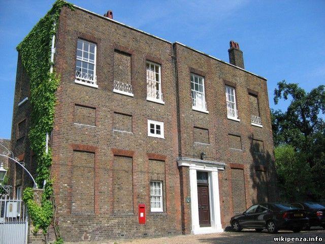 Из-за чего в Великобритании так много домов с заложенными кирпичом окнами