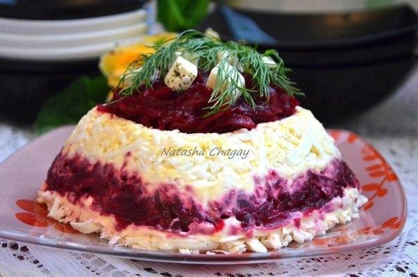 Салат со свеклой и адыгейским сыром — лёгкий и вкусный!