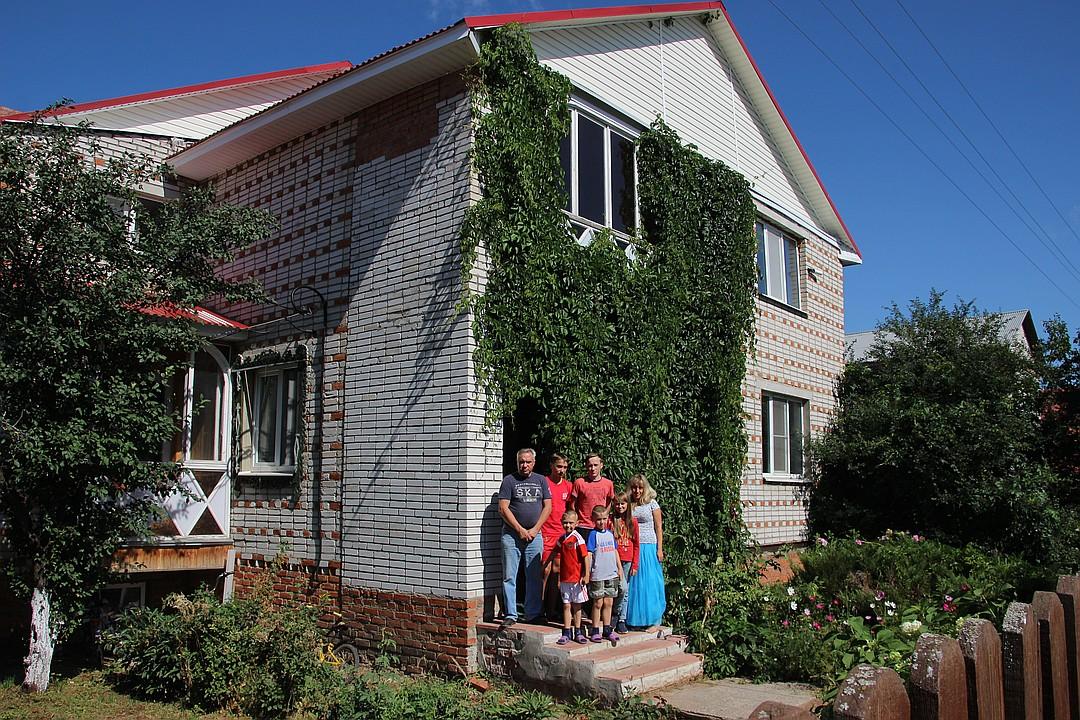 Красивый двухэтажный дом Фото: Алена Андрианова