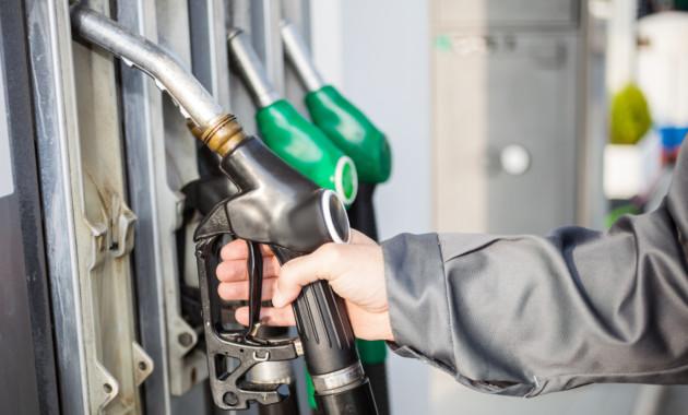 Названы причины роста цен на бензин в России