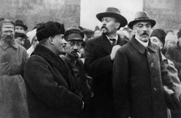 Зачем пытались убить Ленина