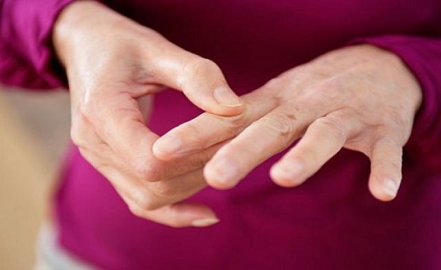 Пятна на руках : как избежать их появления и чем лечить? Список низкокалорийных продуктов