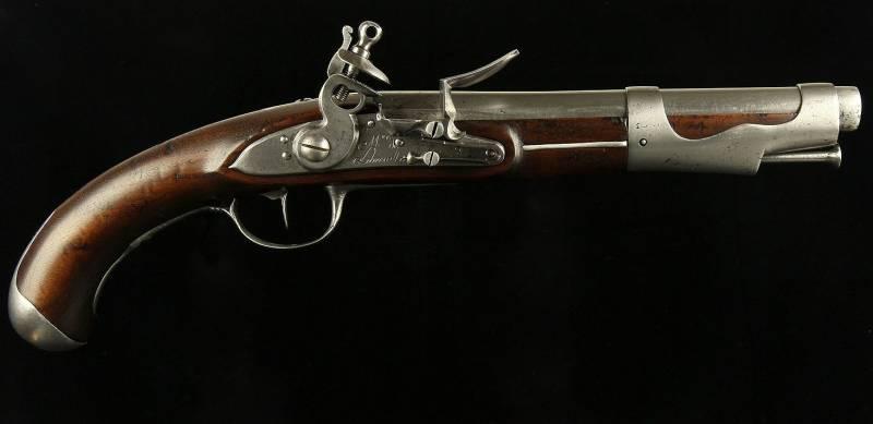 Основные разновидности французского кремневого пистолета образца 1763/66 года