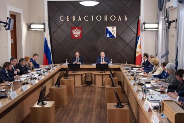 Крым и Севастополь подписали…
