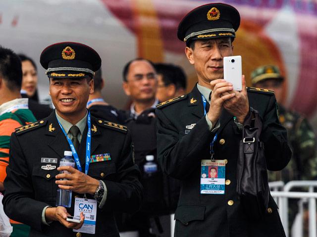 """В России гадают, как быстро китайцы скопируют нашу передовую военную технику и какой будет ущерб: """"Это нам урок на будущее"""""""