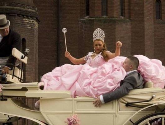 Смешные свадебные платья…