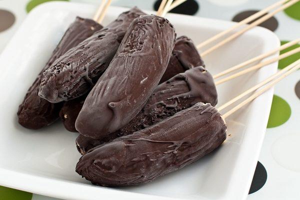 Замороженные бананы в шоколаде