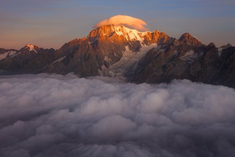 "Монблан (4810 м) ""с шапочкой"" на границе Франции и Италии горы, красиво, небо, облака, природа, творчество, фото, фотограф"