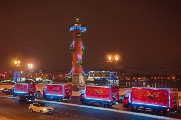 «Рождественский караван Coca-Cola» навестил в больницах и детдомах 12 тыс. детей
