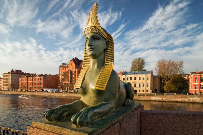 Сфинкс на Египетском мосту Питера.