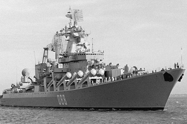 Боевые корабли ВМФ РФ прибыли в Петербург для участия в военном параде
