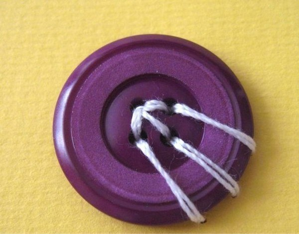 Нестандартные способы пришивания пуговиц