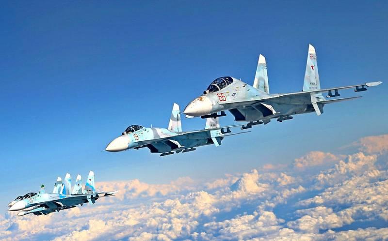 Одновременный пуск восьми ракет с 4 истребителей Су-27 попал на видео