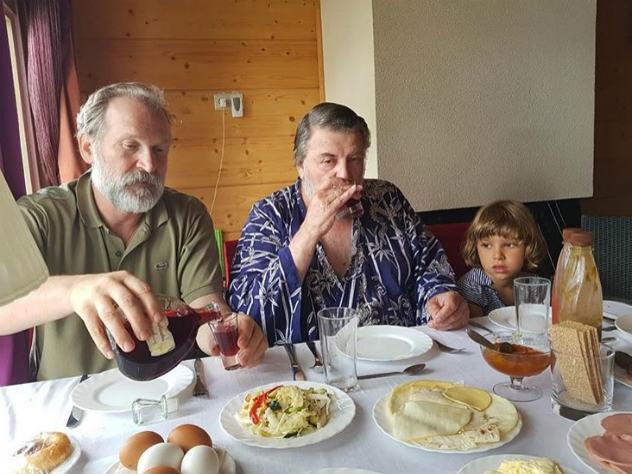 Александр Ширвиндт отметил 84-летие рыбалкой и скромным столом