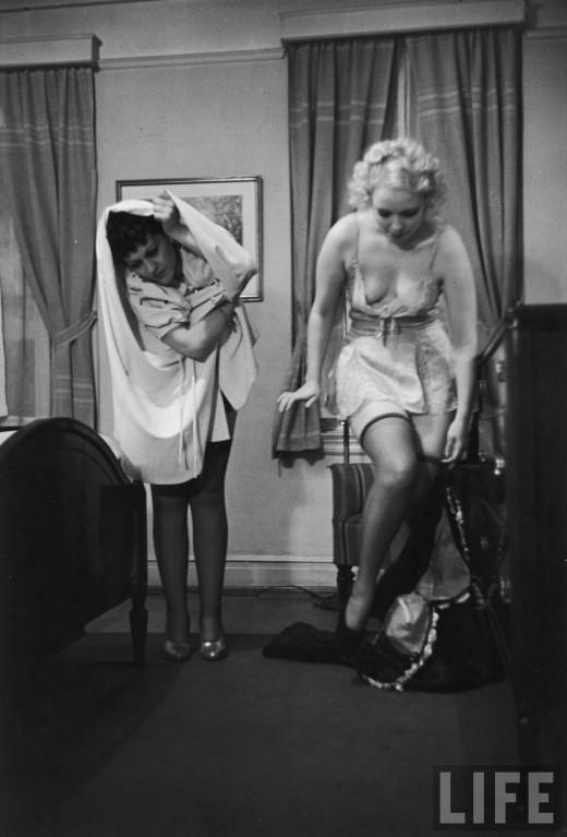 Как правильно раздеваться перед мужем: смешные фотографии