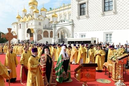 Жена священника назвала пыткой богослужение в Кремле