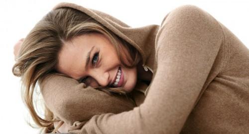 Красивый женский смех