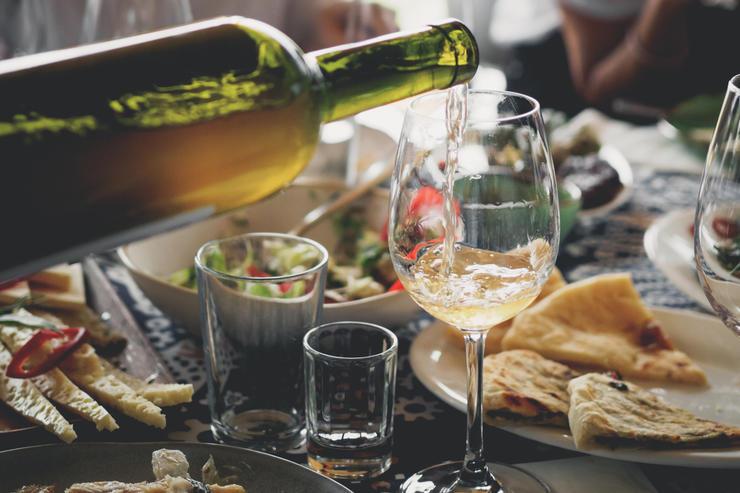 Луковое вино: готовим лечебный напиток в домашних условиях