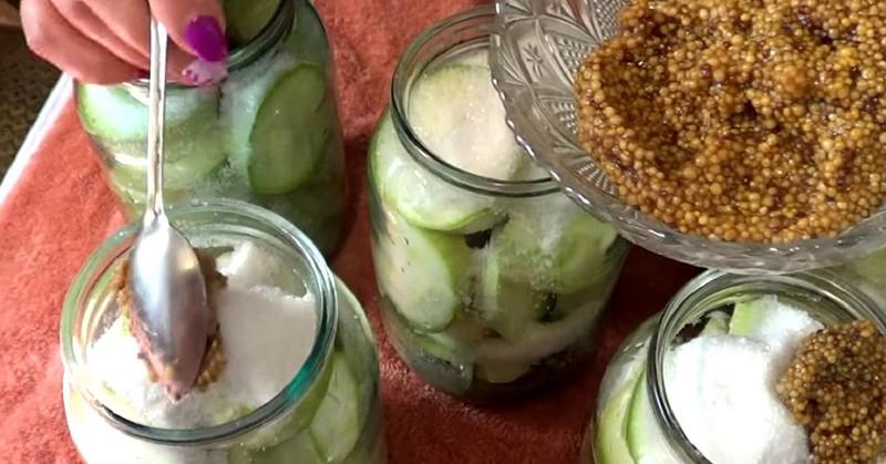 Свекровь с азартом консервирует кисло-сладкие кабачки: теперь только их на зиму и делаем!