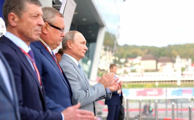 Феномен украинского Макрона и политический бог Путин