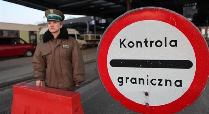 Вход в Европу: муд*ки, собаки и трущобы посреди куч мусора – бизнесмен рассказал, как выглядит украино-польская граница