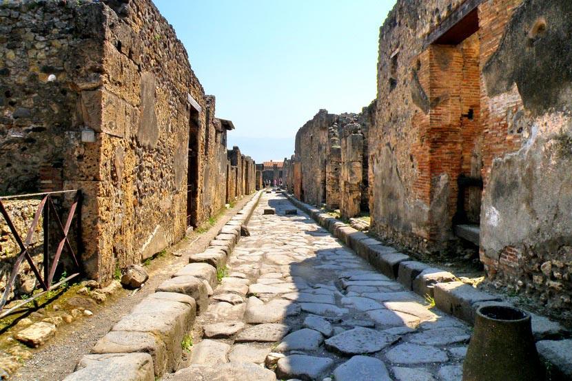 Помпеи — город, который исчез за несколько часов