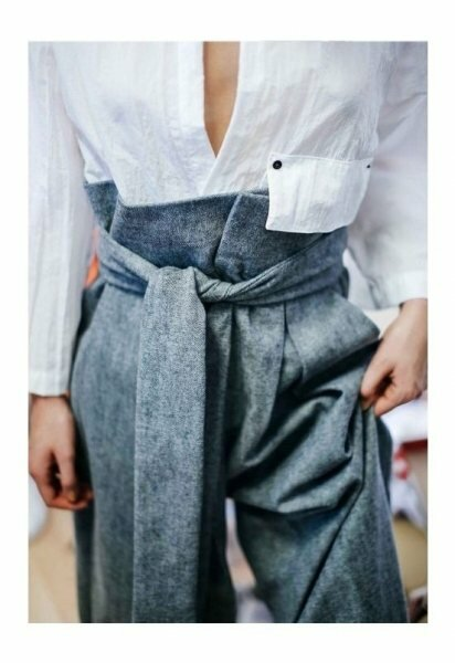 4 способа носить брюки с высокой талией, чтобы ваша женственность не страдала