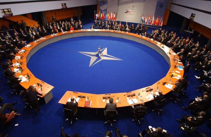 Расширение НАТО - это безумие