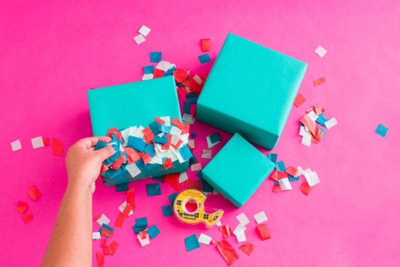16 способов оригинально завернуть подарки