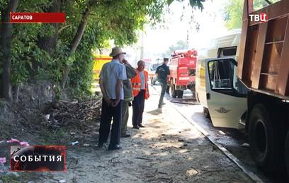 Десять человек пострадали в ДТП с маршруткой в Саратове
