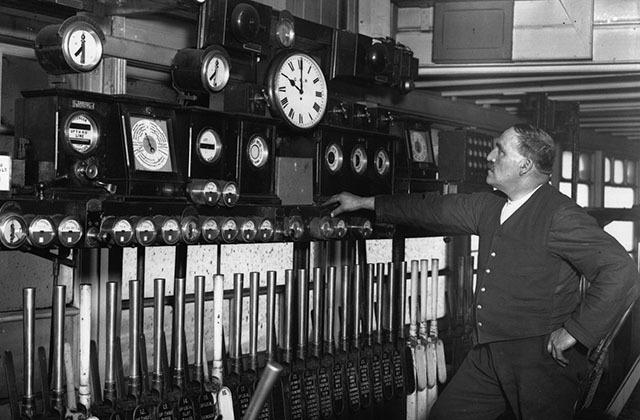 регулировка времени на Лондонском железнодорожном вокзале