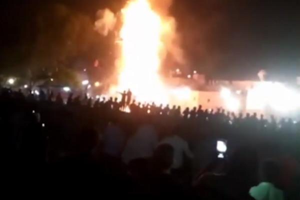 Поезд задавил насмерть 50 человек на индийском фестивале