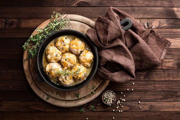 Блюдо дня: фрикадельки в кабачковом суфле