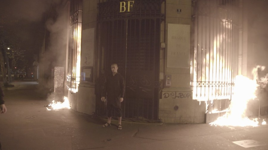 Павленский жжот Францию