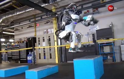 Робот из США научился делать сальто назад
