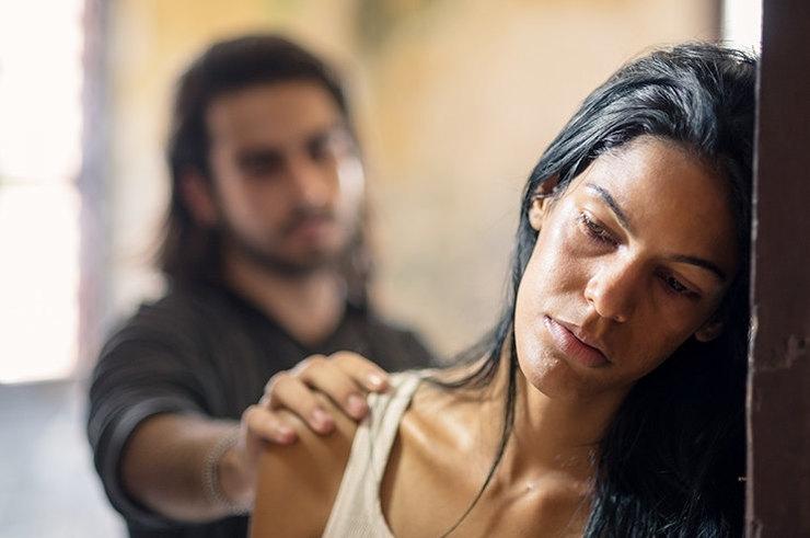 Почему женщины не уходят от тиранов: рассказывает Екатерина Попова