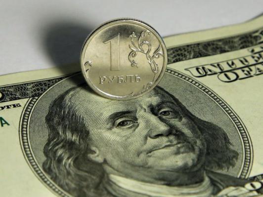 Спусковой крючок для обвала рубля: США могут ввести санкции против госдолга России