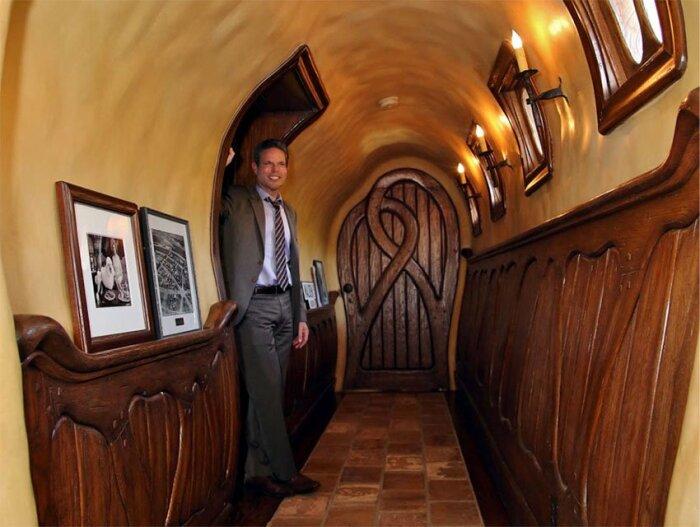Новый владелец «Ведьминого дома» – Майкл Дж. Либоу. | Фото: 2.bp.blogspot.com.