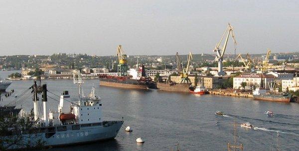 Впервые за десятки лет на Севморзаводе заложили тяжелый плавучий кран